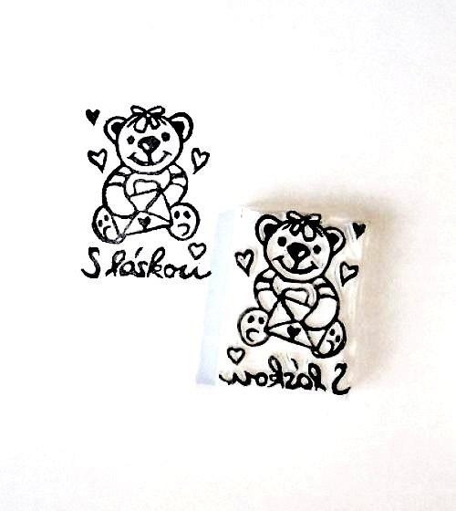 Medvídek S láskou. Omyvatelné razítko.