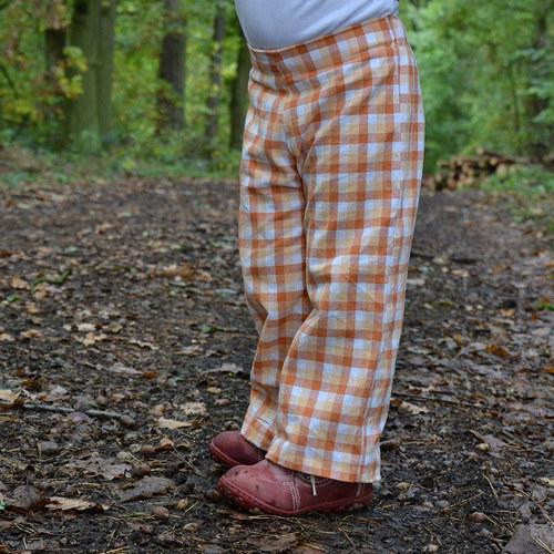 Střih a fotonávod na ušití dětských kalhot