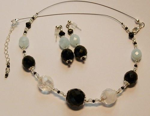 Černé, čiré s bílým žíháním a sv. modré (109)