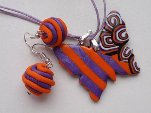 Fialovo oranžový motýlek sada
