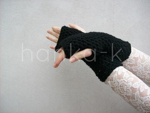 Háčkované návleky na ruce černé