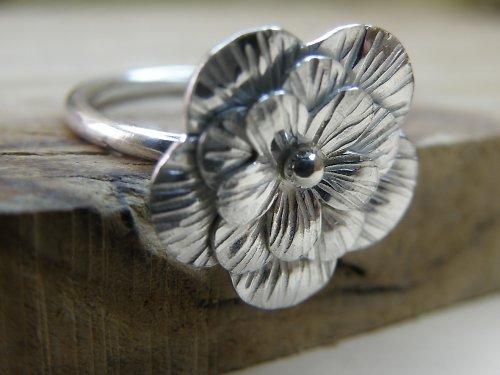 Kytičkový prsten