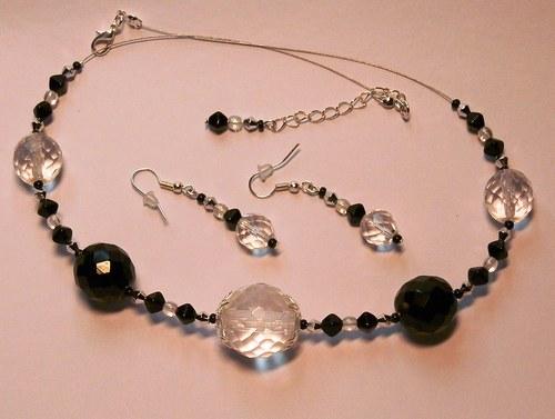 Čiré a černé koule (110)