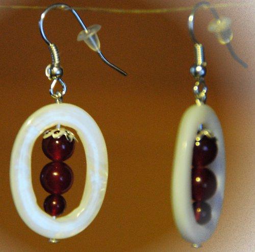 Náušnice - achát wine v perleťovém oválku