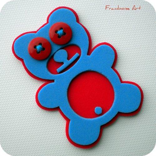 Modro červený méďa
