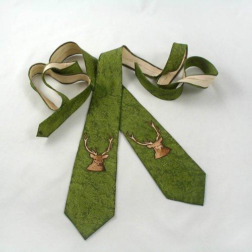 Myslivecká kravata s jelenem