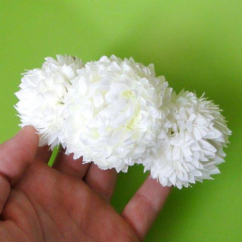 Květinová spona - bílé bambulky