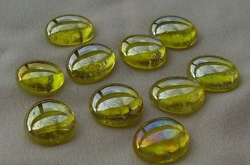 10 ks nugetků - sklo žlutá pokov BA - 007