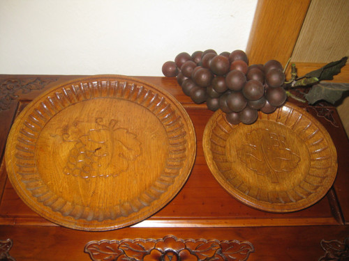 Řezbovaný talířek, miska -menší