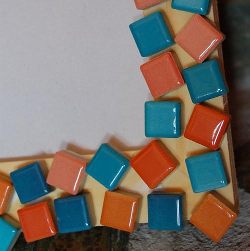 Oranžovo-modrá