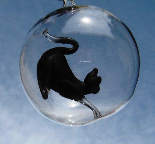 koule s motivem - černá kočka protahující se
