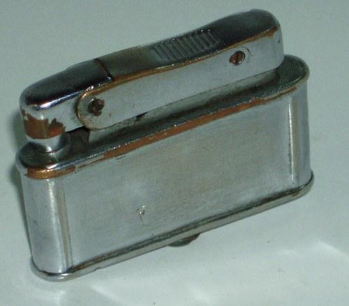 PRVI PARTIZAN - starý benzínový zapalovač