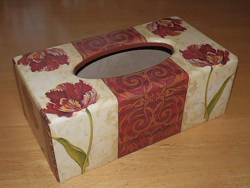 Krabička na kapesníky Tulipán