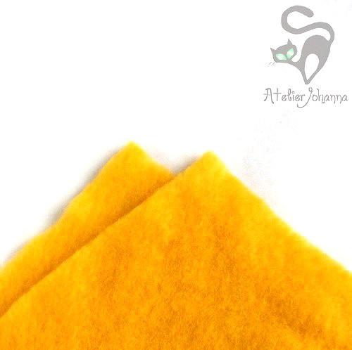 Prefelt sytě žlutá