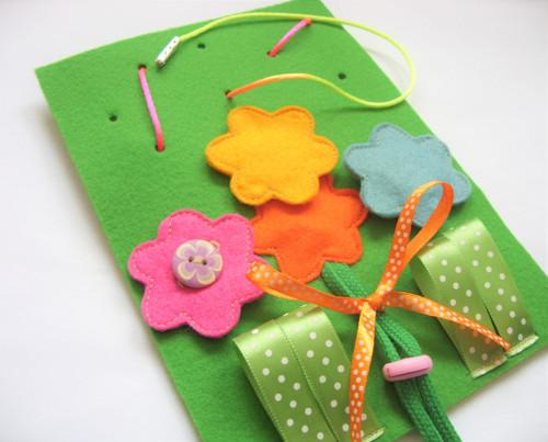 Střední hrací karta - kytice