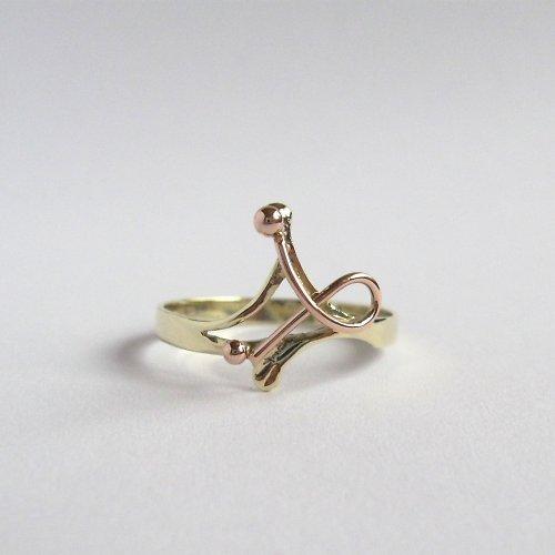 Zachyceno v éteru (zlatý prstýnek)