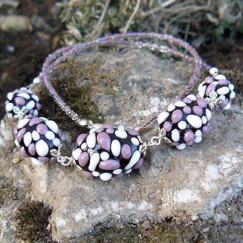 Náhrdelník - tmavě fialové mozaikové olivy