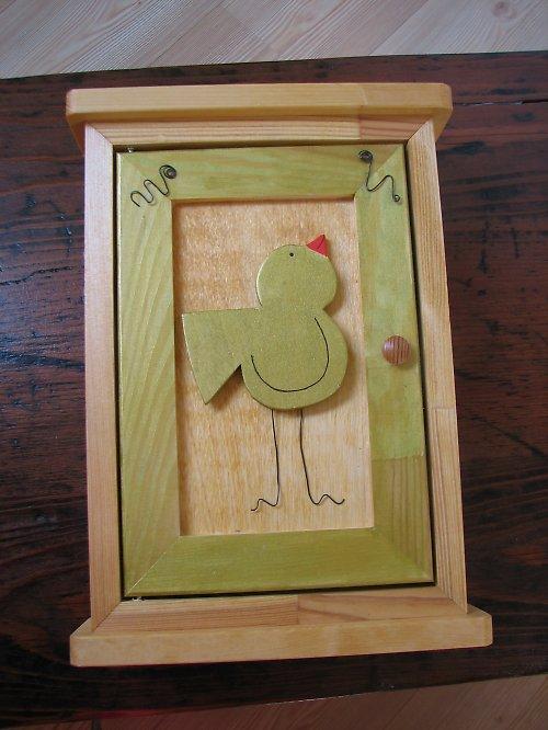 Dřevěná skříňka na klíče PTÁČEK
