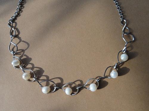 perly po kapkách