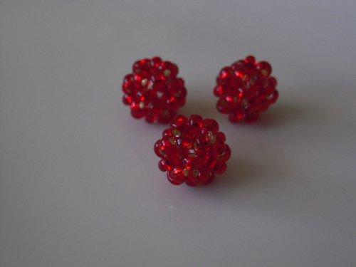 Tmavší červené kuličky