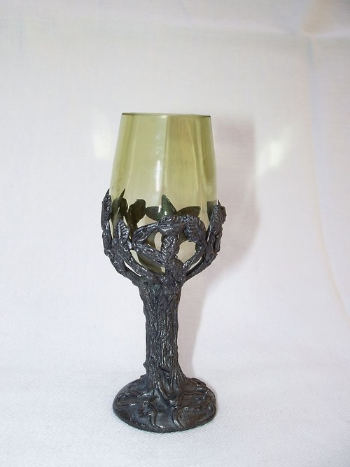 likérová sklenička ve tvatu stromu