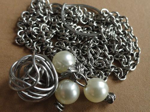 ve společnosti perel