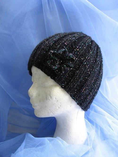 Čepice dámská,dívčí, černá s LUREX třpytkami.