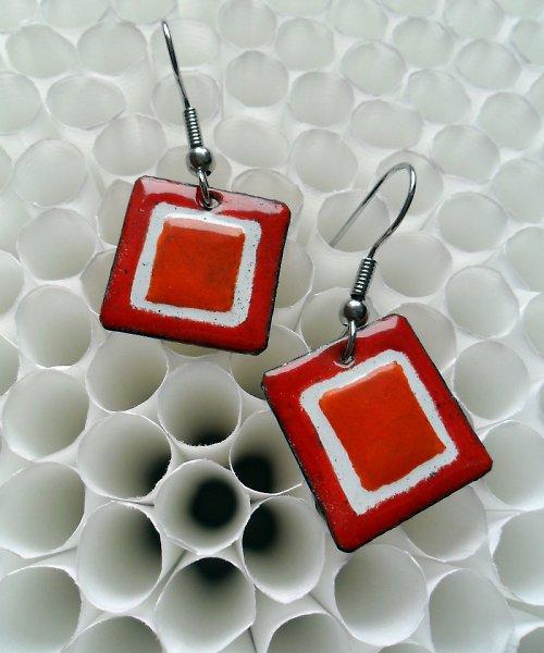 Červenooranžový čtvereček