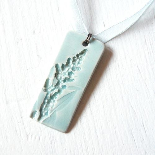 Na zahradě časně zrána - porcelánový náhrdelník