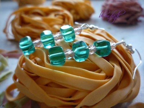 Smaragdové kostičky