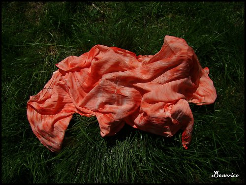 Šála-červená batika