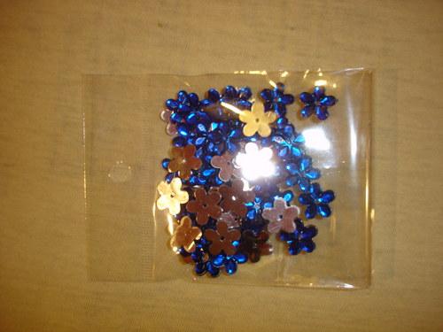 modré kytičky 50ks