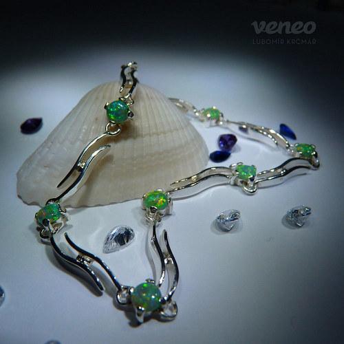Dvojvlnka - náramek se zelenými opály