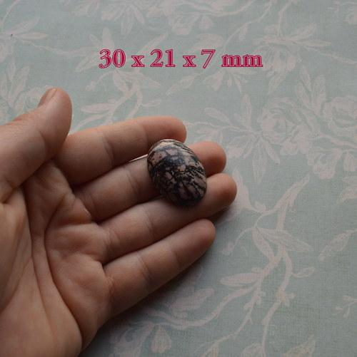 Kabošon - Rhodonit 30 x 21 mm