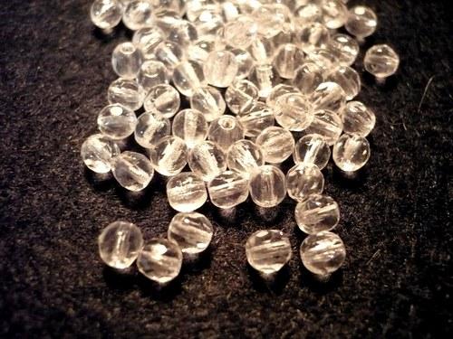 Skleněné fasetované korálky 4 mm, 18 g