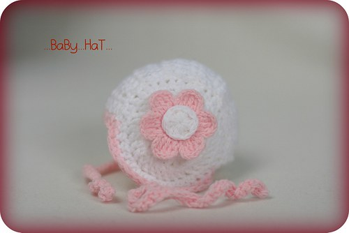 SLEVA!!! Čepička s růžovým kvítkem