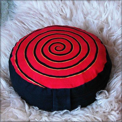 """Meditační polštář \""""Spirála červená\"""""""