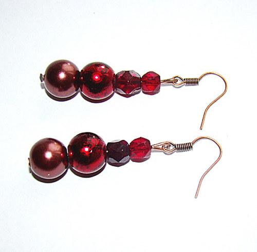681.náušnice  metalické perly a broušené korále