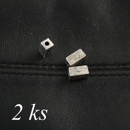 Kvádr stříbrné barvy - 2ks