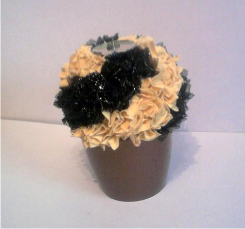 svícen květina žlutá,černá
