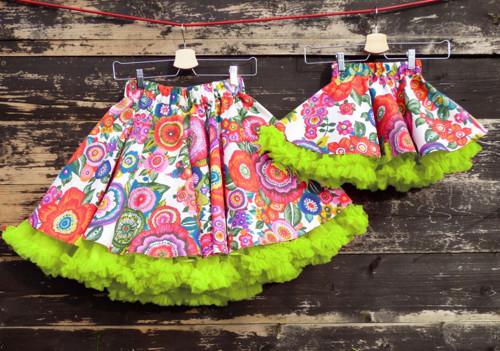 FuFu sukně duo - květy se zelenou spodničkou