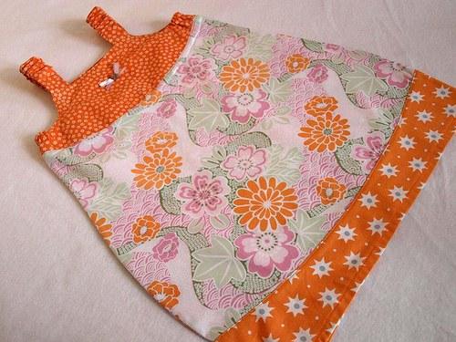šaty oranžové cibulovité vel. 104-110