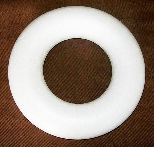Věneček - polystyrenový korpus, průměr 15cm