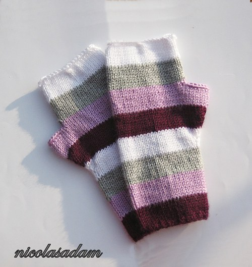 Bezprsťáky proužkaté ve fialkových odstínech :)