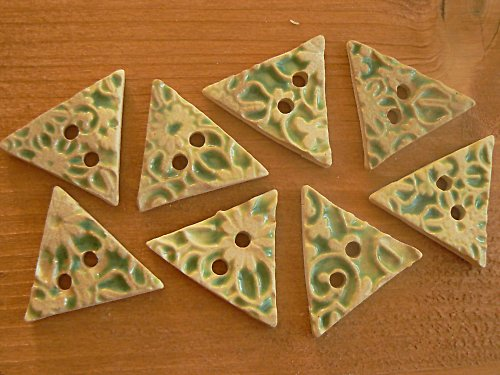 Knoflík -  trojúhelník zelený