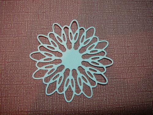 Papírový výsek - kulatý ornament