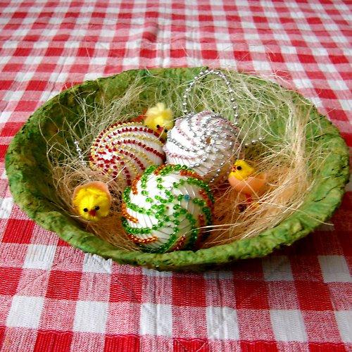 Netradičně zdobená vajíčka....