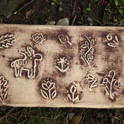 Kachel - přírodní motivy s patinou