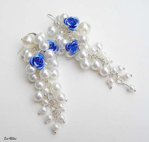 Biele perličky s ružičkou