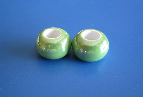 Porcelánové korálky 2ks - odstín zelená